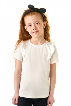 28d50b04108 Блузка для девочки с коротким рукавом. Украшена декоративными воланами.  Состав  92% хлопок 8% лайкра. Цена  630 руб.
